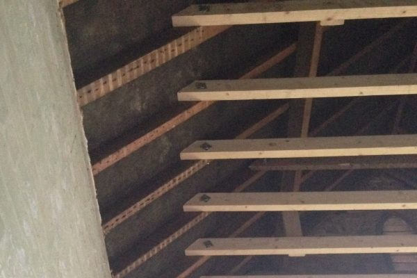 Roof structure timber fixing bolts